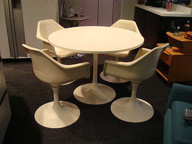 tulip table and chairs pool side vintage mid century modern from eraofmyways on ruby lane