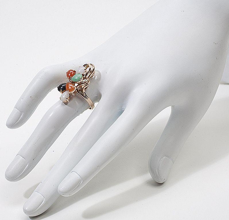 Vintage 14 Karat Gold Jade Cocktail Ring Estate Jewelry