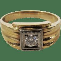 10 Karat Yellow Gold Men's Ring With Diamond In a White ...