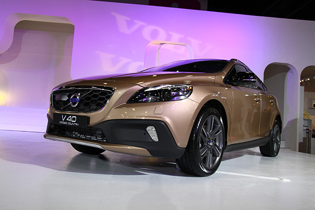【2014臺北車展】Volvo V40 Cross Country 預接單 142 萬元起 | T客邦