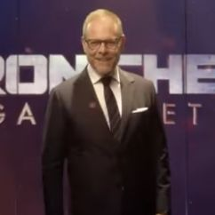 The Chairman Iron Chef Green Velvet Chair Covers Alton Brown Is All Powerful Overlord Of