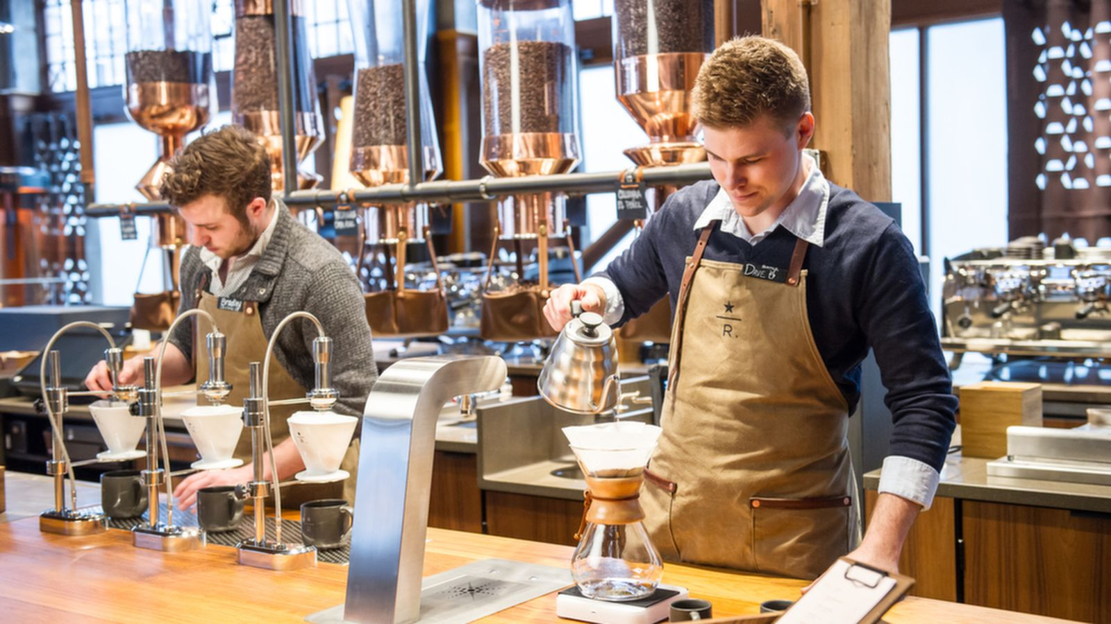 Starbucks Hopes to Win Over Coffee Snobs With More Fancy