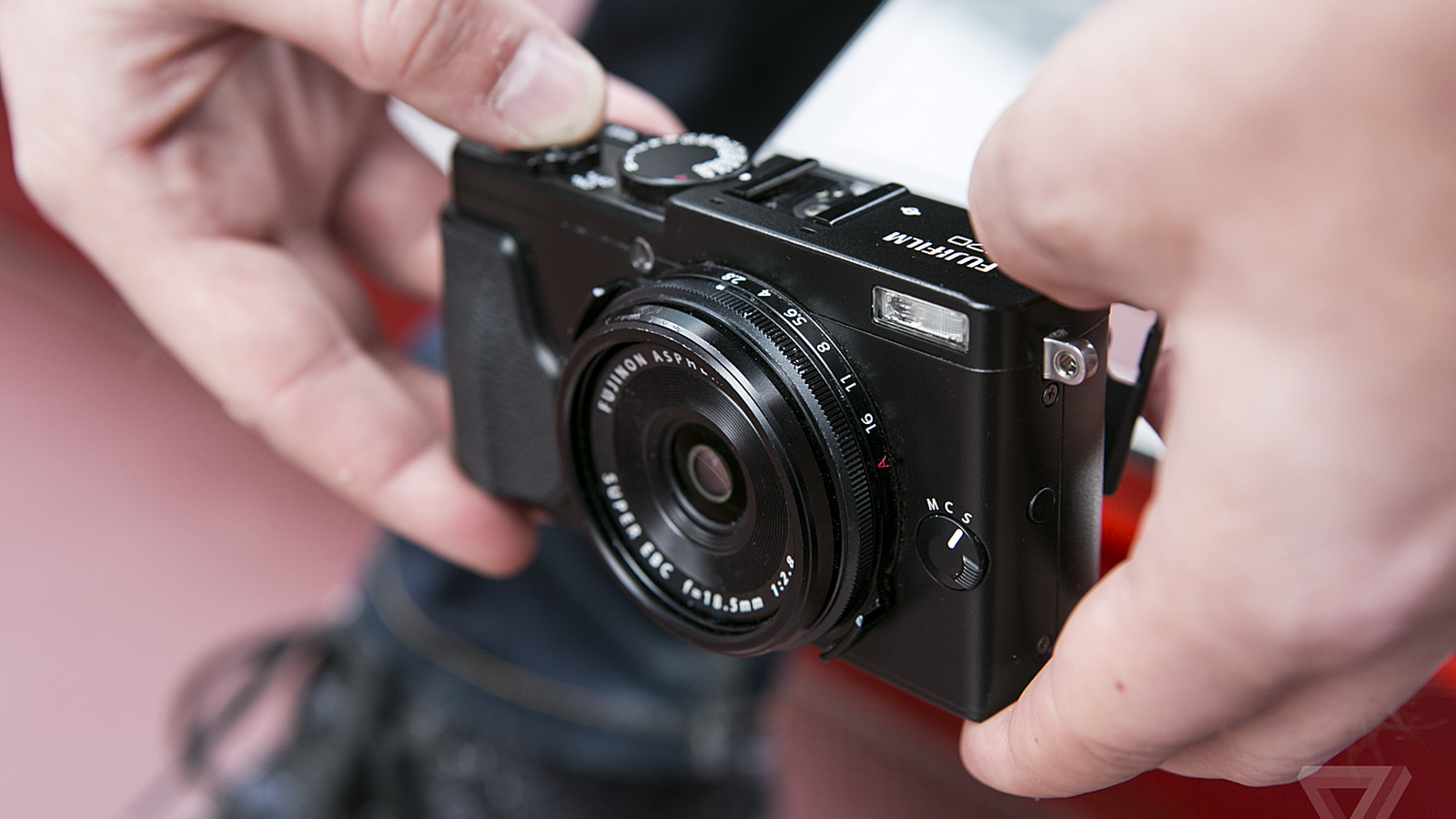 Fujifilm X70 review: the little camera that can | The Verge