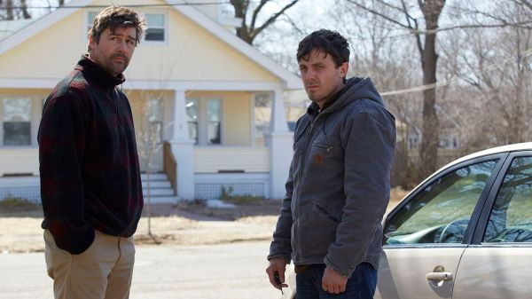 Kyle Chandler & Casey Affleck in Manchester by the Sea