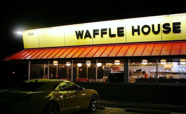Waffle House Refused To Serve An Armed Uniformed U S