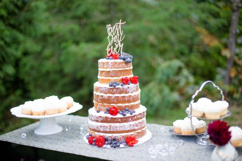 5 Naked Wedding Cake Styles Were Totally Obsessed With