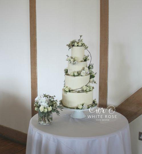 White Rose Cake Design