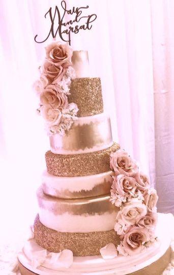 Fancy Cakes By Leslie Wedding Cake Bethesda Md Weddingwire