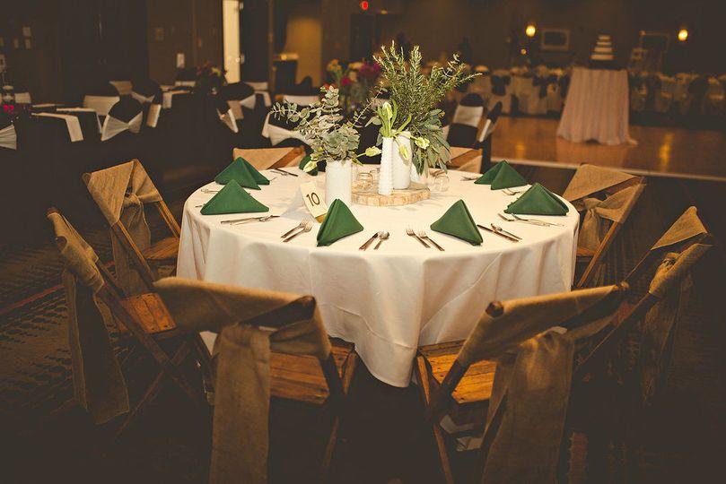 chair cover rentals findlay ohio grey cushions hilton garden inn venue oh weddingwire table set up with centerpiece