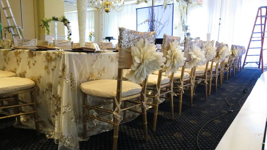 modern art chair covers and linens lift recliner chairs canada event rentals clawson mi img2014
