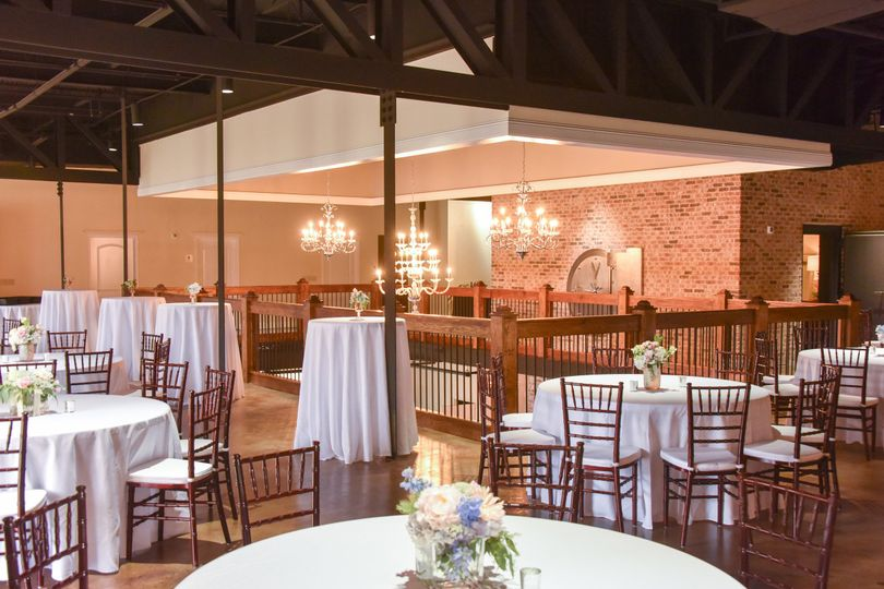 chair cover rentals jackson ms inexpensive plastic adirondack chairs the vault venue brandon weddingwire table setting indoor