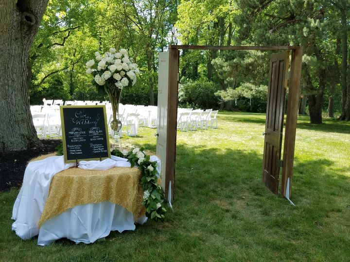 chair cover rentals findlay ohio outdoor chairs kmart scarlet oaks estate venue oh weddingwire historic barn at ceremony area