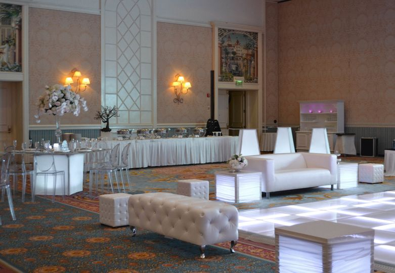 table chair rentals 2 white tufted office fenice events event orlando fl weddingwire intimate setup