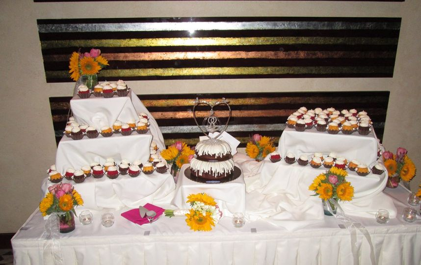 Nothing Bundt Cakes Wedding Cake Corte Madera Ca Weddingwire