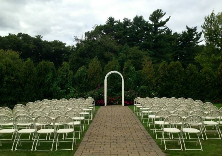 chair cover rentals halifax stickley dining room plans country club of venue ma weddingwire wedding ceremony area