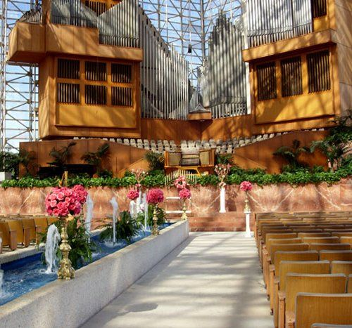 crystal cathedral ministries venue