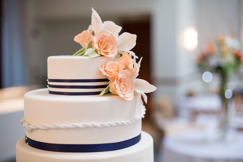 Fondant Vs. Buttercream: The Sweetest Wedding Cake Debate