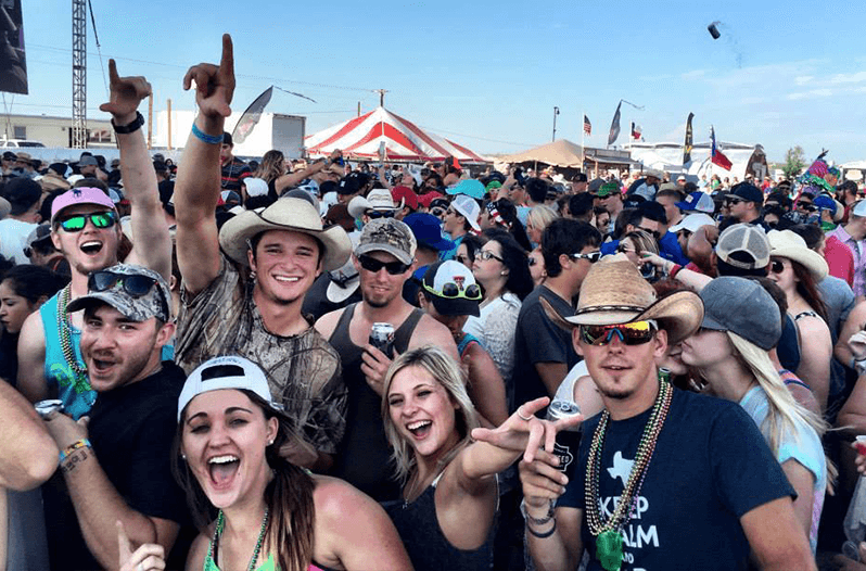 10 Types Of People You Find In The Texas Country Music Scene