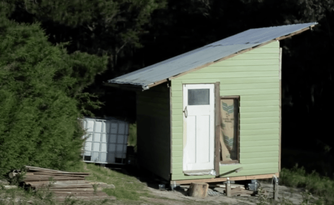 This Couple Went Dumpster Diving And Built A Tiny Home For