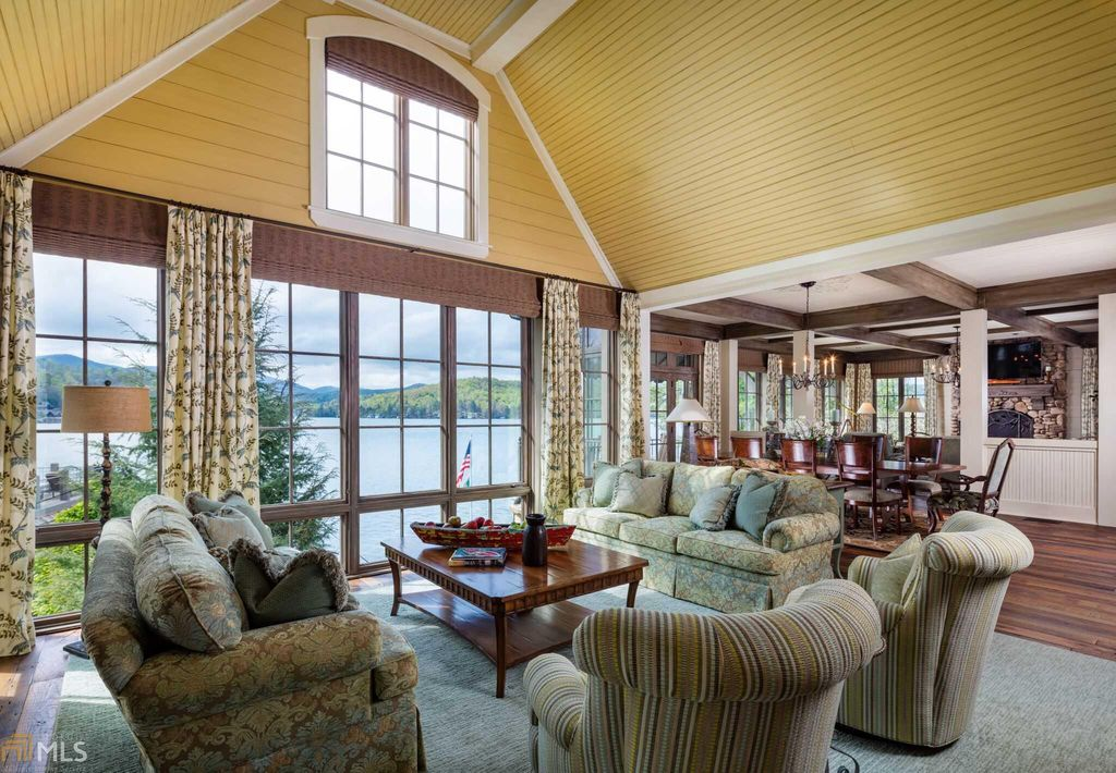 Alan Jacksons Beautiful Georgia Estate is up for Sale
