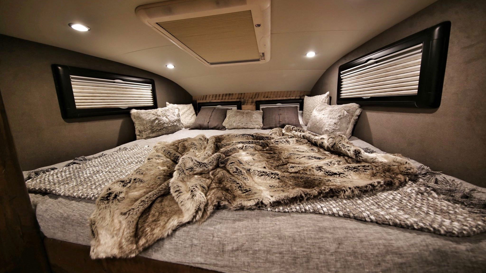 Earthroamer XV HD Could be the Most Luxurious Offroad
