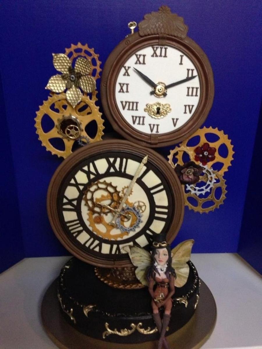 Top Clock Cakes