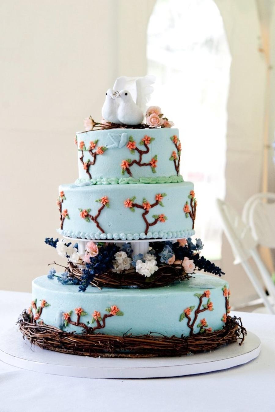 Bird/nature Themed Wedding Cake