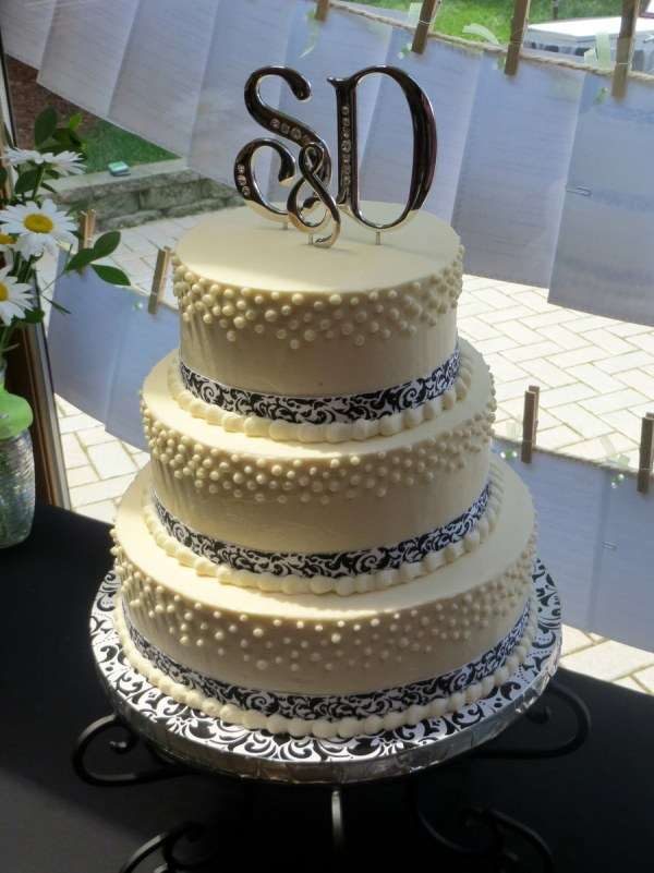 Pearl And Damask Ribbon Cake