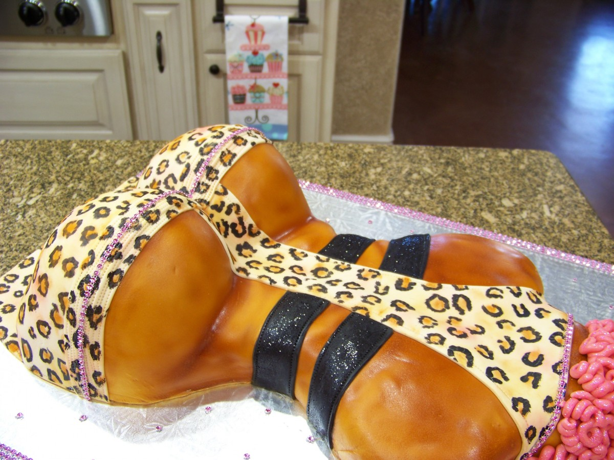 Nicki Minaj Booty Cake