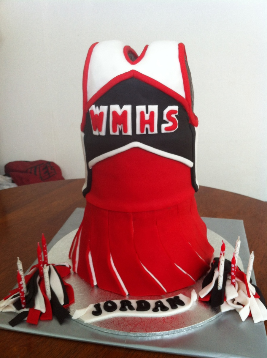 Glee Cheerleader Cake Cakecentral Com