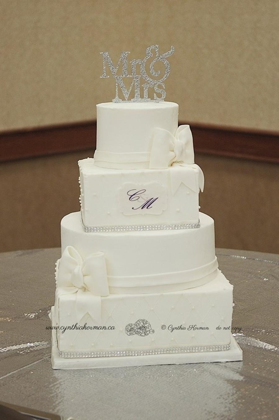 Square And Round Wedding Cake