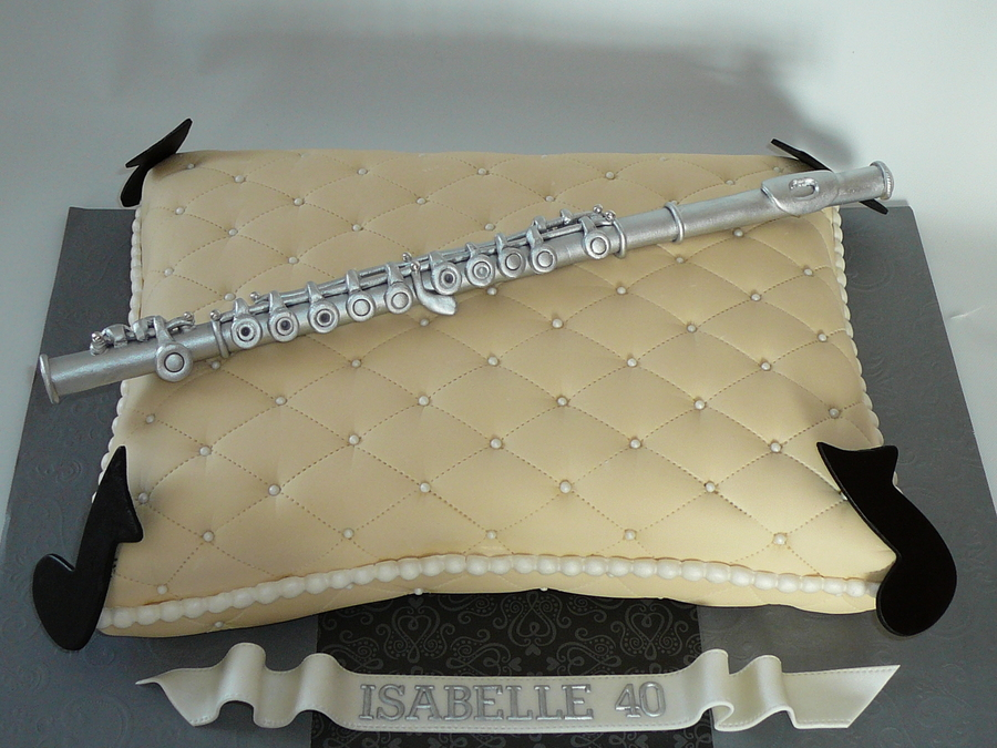 Traverse Flute On A Pillow Cakecentral Com