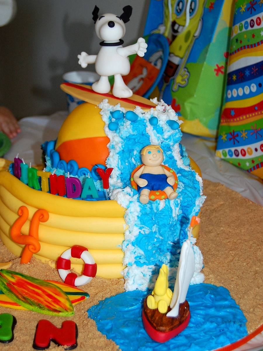 Surfin' Snoopy Birthday Cake - CakeCentral.com