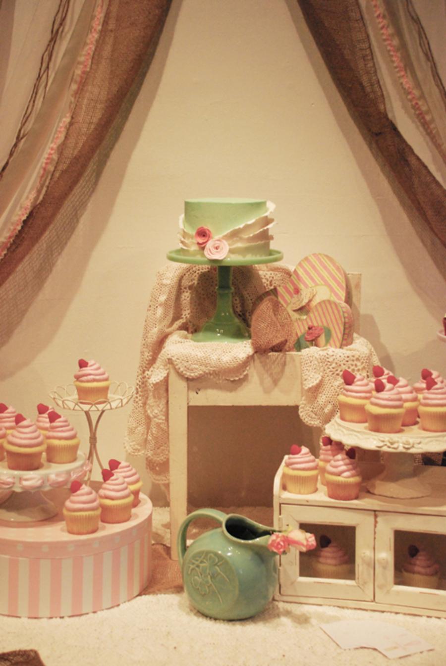 Shabby Chic Amp Rustic Wedding Cupcake Dessert Table