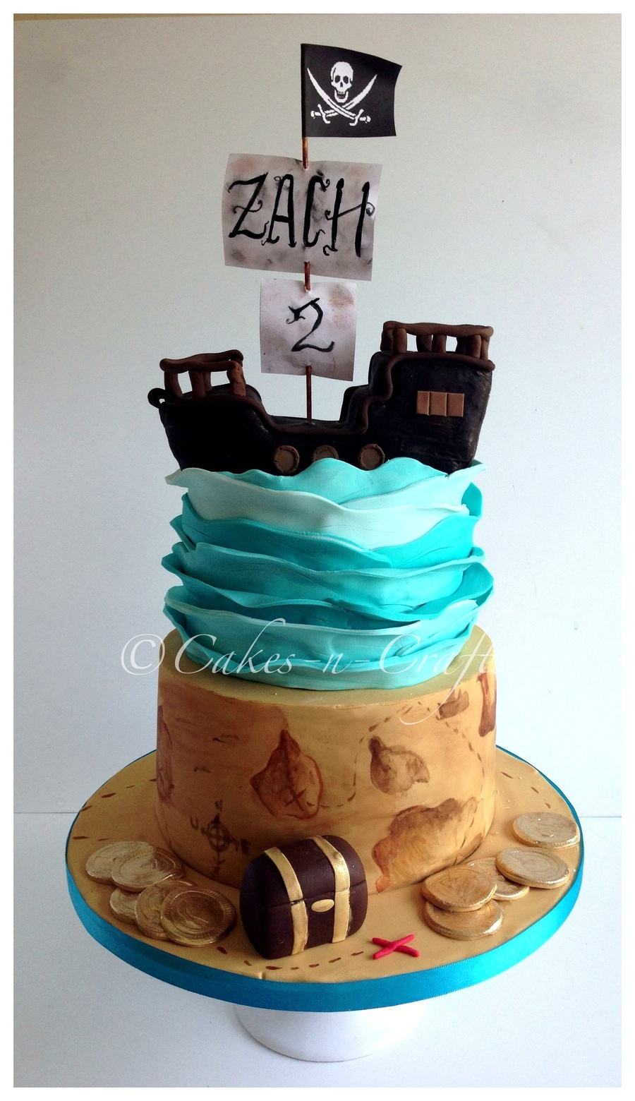 2 Tier Pirate Cake With Edible Pirate Ship Cakecentral Com