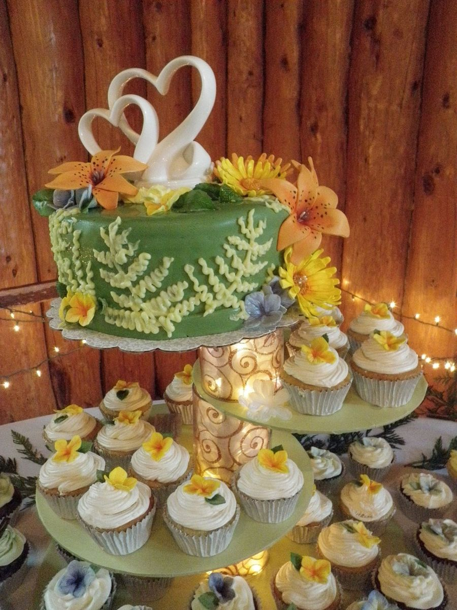 Nature Themed Wedding Cake/cupcakes