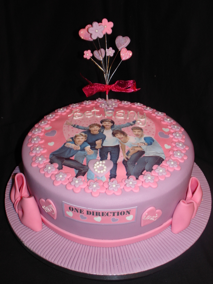 Pink One Direction Cake With Matching Cupcakes