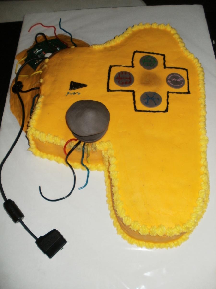 Broken Video Game Controller  CakeCentralcom