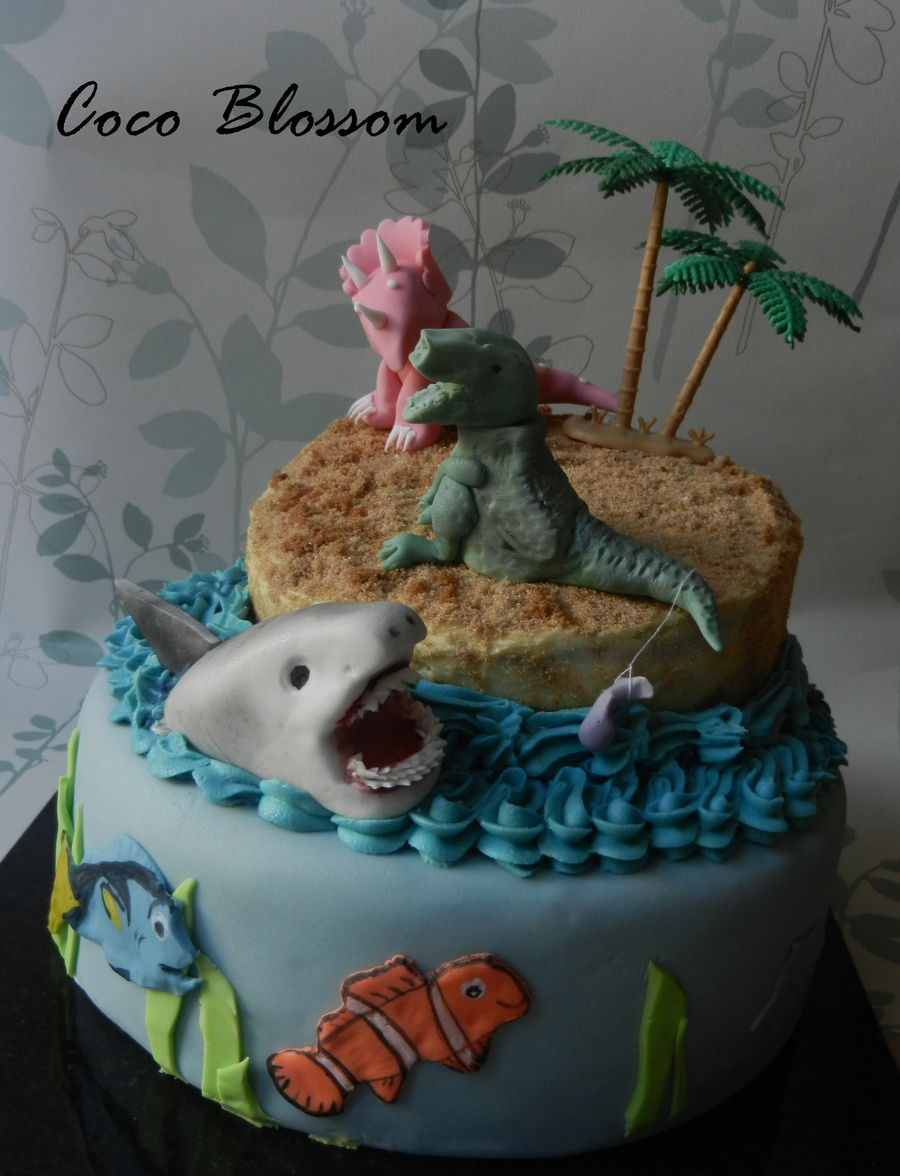 The Shark And Dinosaur Cake Cakecentral Com