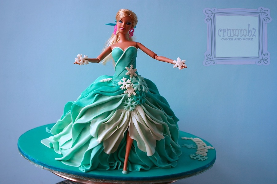 Frozen Themed Doll Cake And Cupcakes Cakecentral Com