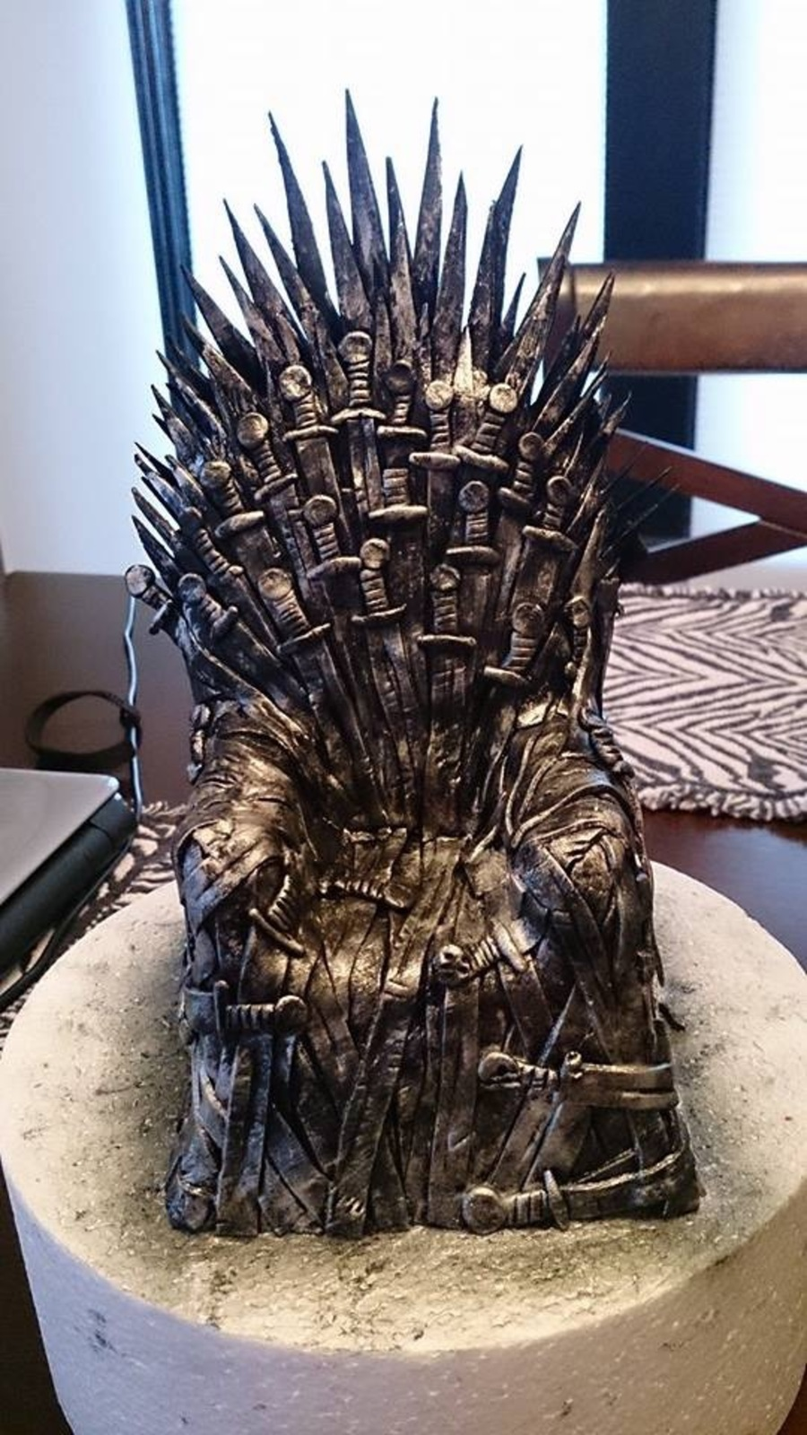 game of throne chair bedroom john lewis thrones cake topper cakecentral com is the world s largest community for decorating professionals and enthusiasts