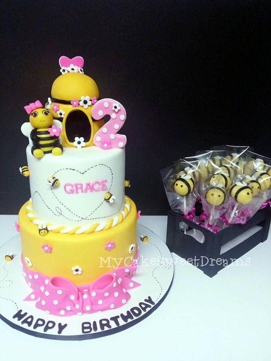 Bumble Bee Birthday Cake  CakeCentralcom