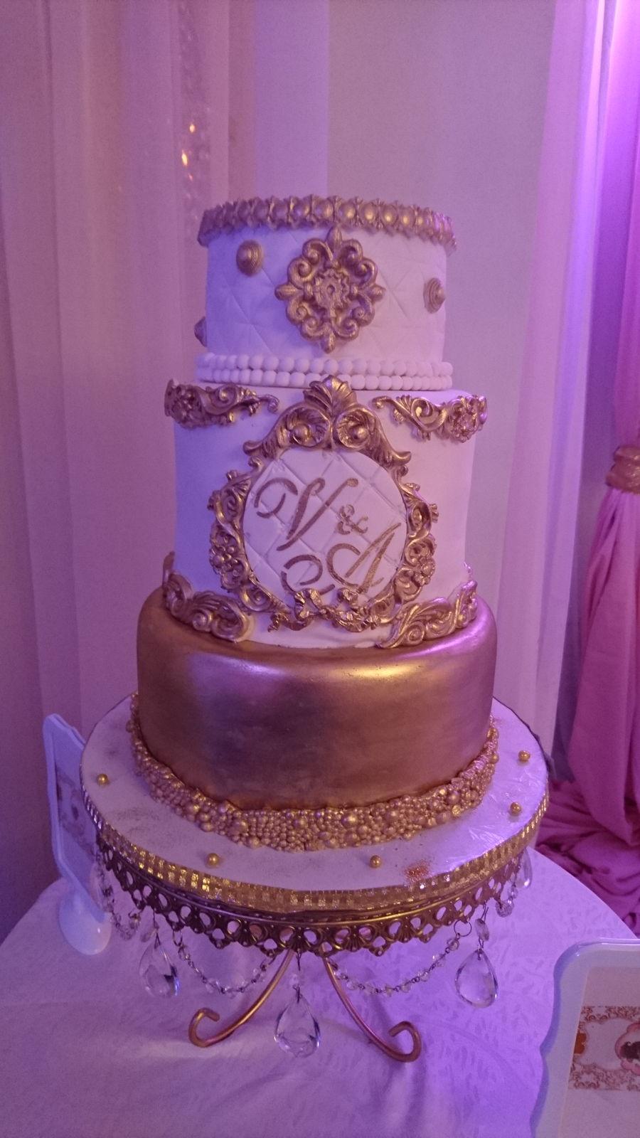 Elegant Baroque Vintage White  Gold Wedding Cake