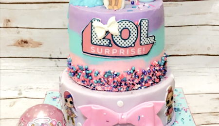 Surprise Cake Decorating Photos