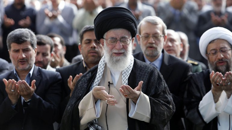 Ayatollah Khamenei, líder religioso iraní.