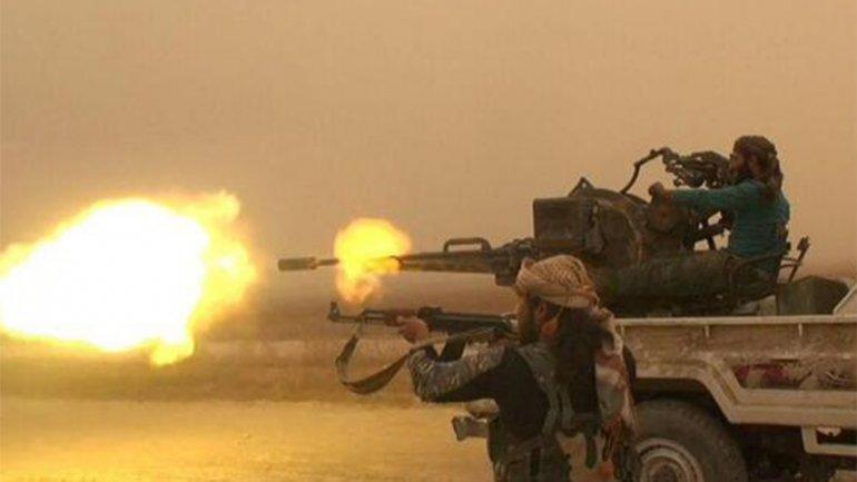 Los rebeldes luchan contra el Estado islámico en Siria