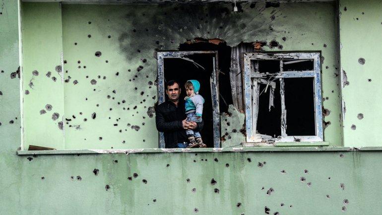 Los habitantes de Silopi, en el Kurdistán, regresan a sus hogares luego de que el gobierno de Turquía anunciara el fin de las hostilidades.