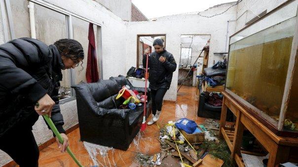 El pro secretario de Presidencia y director del Sistema Nacional de Emergencia, Juan Andrés Roballo, dijo en conferencia de prensa que el evento fue muy grave, generó daños materiales, pero lo que más nos preocupa es que hay muchas víctimas