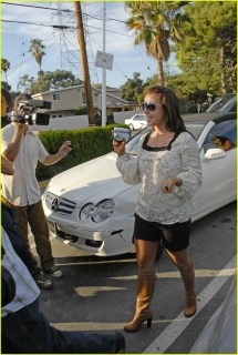 Britney Spears Turns Paparazzi 614961