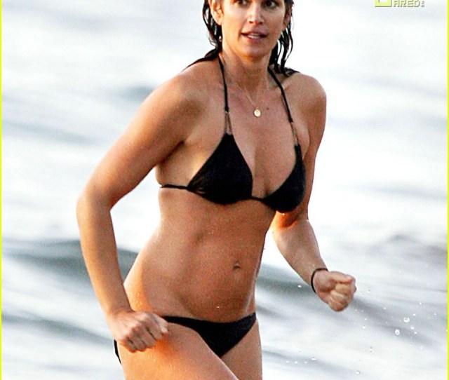 Cindy Crawford Hot In Hawaii